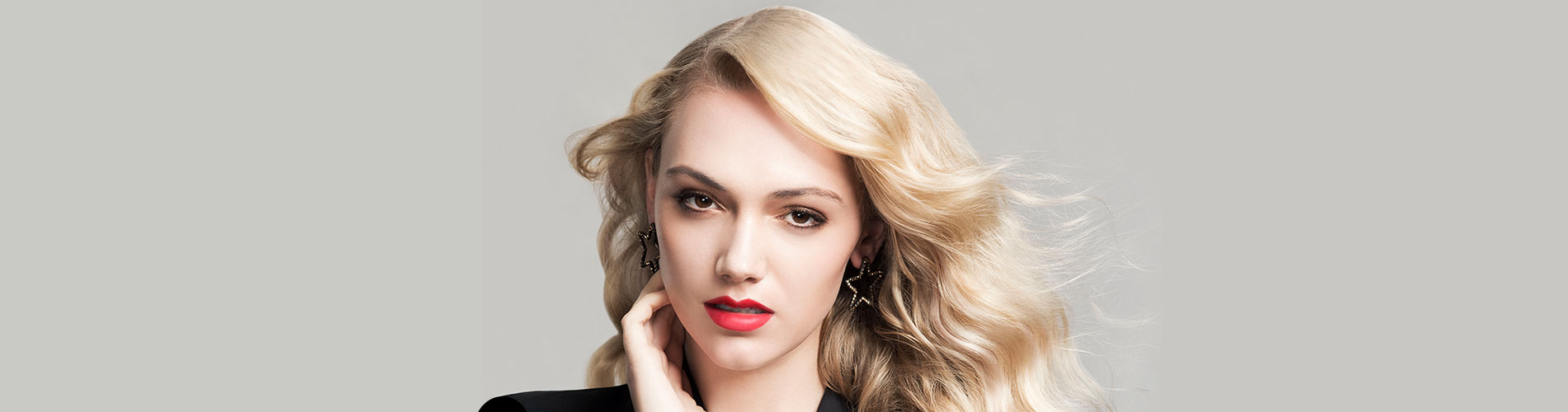 rpr mycolour blonde girl with red lipstick